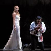 Lady Macbeth (Nadja Michael) mocks her husband (Thomas Hampson) after he feels remorse after killing King Duncan