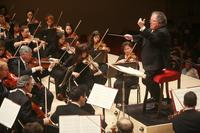 James Levine leads the Met Orchestra