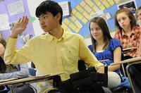kid raising hand, classroom
