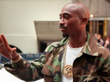 Tupac Shakur arrives at New York's Radio City Music Hall, September 1996