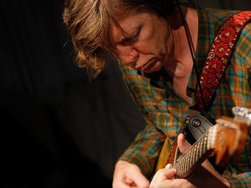 Thurston Moore performs in the Soundcheck studio.