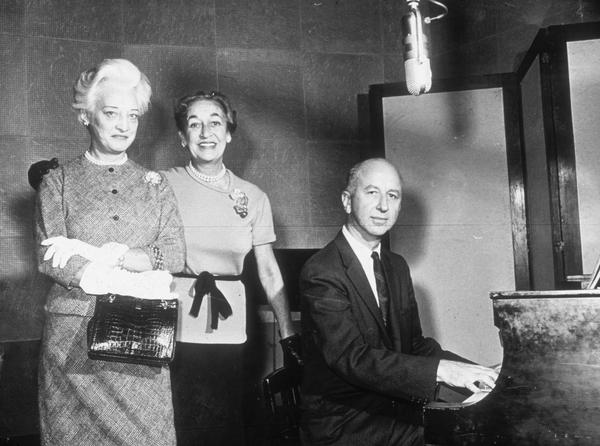 November 1961: From left to right Mrs Oscar Hammerstein, lyricist Dorothy Fields, and composer Alfred Simon prepare for a special radio tribute for American composer Jerome Kern for Thanksgiving Day o