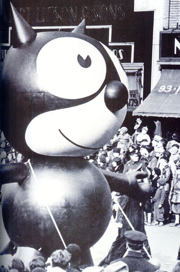Felix the Cat 1927 - 1st balloon in Macy's Parade