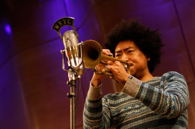 Takuya Kuroda playing trumpet as part of Jose James' band.