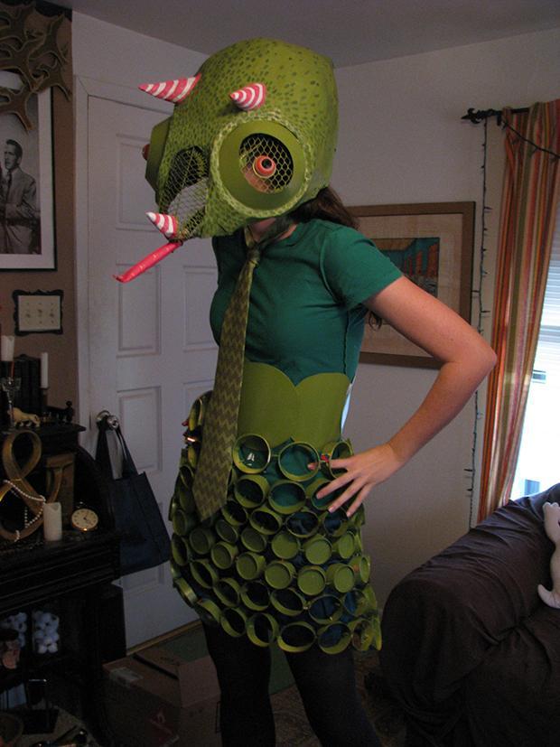 Paper Plate Chameleon costume