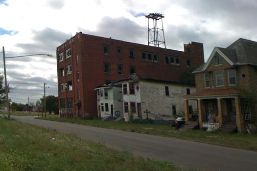 Detroit ruin architecture, homesteading, cigar factory
