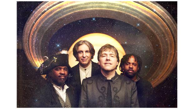 Another shot of Béla Fleck & the Flecktones.