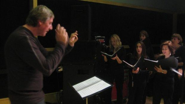 David Temple Conducts Dessoff Singers