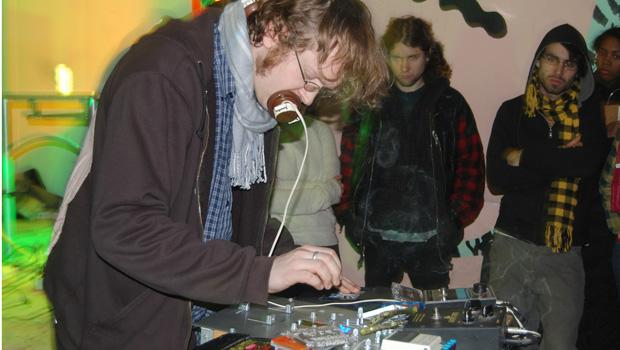 Nonhorse plays Death by Audio
