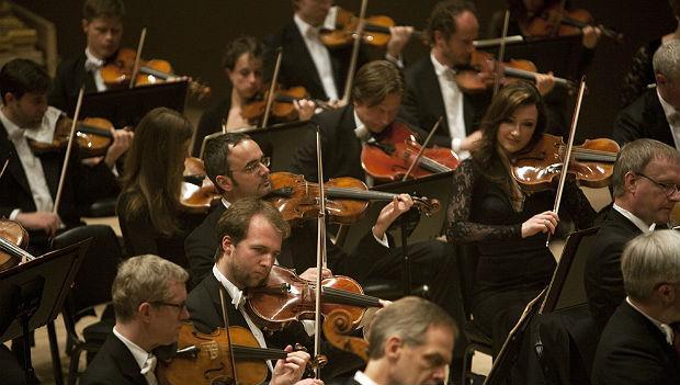 Dresden Staatskapelle plays Bruckner's Symphony No. 8 at Carnegie Hall