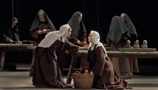 Erin Morley as Constance and Isabel Leonard as Blanche de la Force in Poulenc's 'Dialogues des Carmélites'
