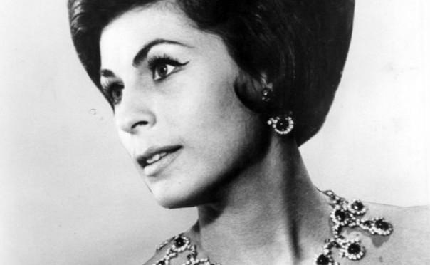 1974 publicity photo of soprano Roberta Peters.