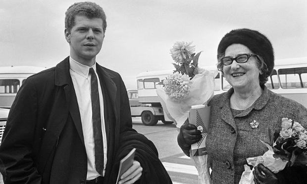 Van Cliburn and his mother, Rildia Bee O'Bryan in Amsterdam, 1966