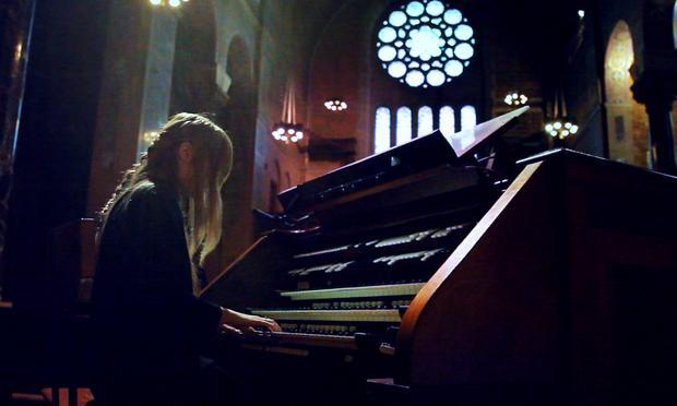 Anna Von Hausswolff performs a gigantic pipe organ at Christ Church in New York City.
