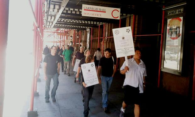 Stagehands picket Carnegie Hall on Wednesday morning