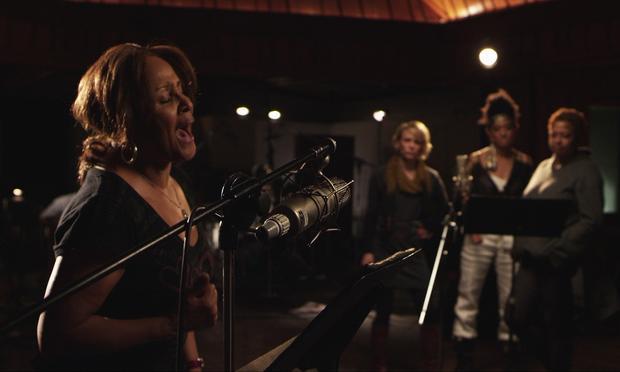 Darlene Love sings in the studio in '20 Feet From Stardom'