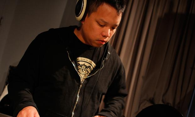 Kid Koala performs with Deltron 3030 in the Soundcheck studio.