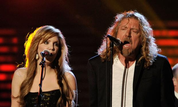Robert Plant and Alison Krauss perform at the 2009 Grammy Awards
