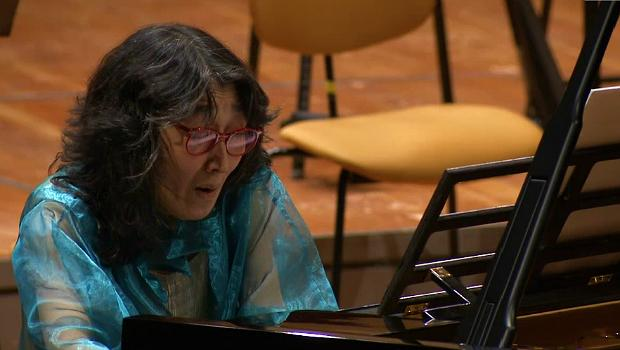 Mitsuko Uchida performs with the Berlin Philharmonic