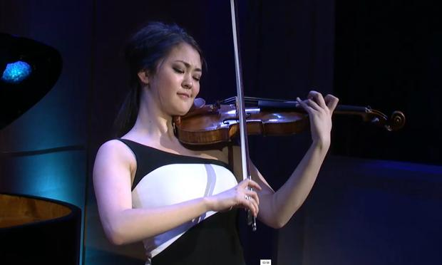 Simone Porter performs at the Avery Fisher Career Grants show in The Greene Space