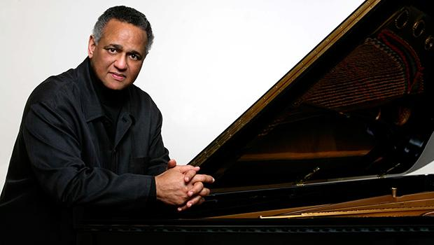 Pianist André Watts.
