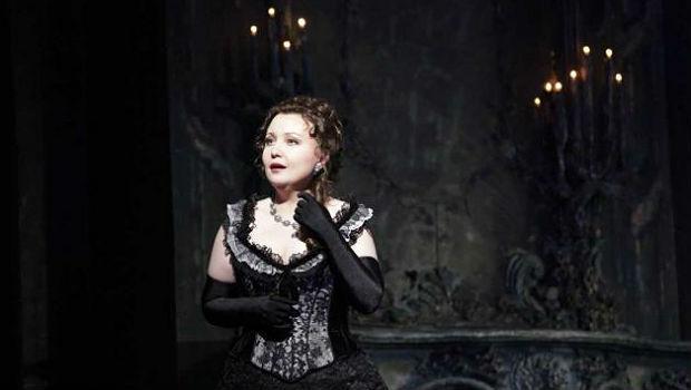 Albina Shagimuratova as Violettain Verdi's 'La Traviata'