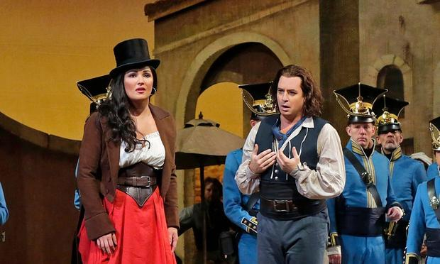 Anna Netrebko as Adina and Matthew Polenzani as Nemorino in Donizetti's 'L'Elisir d'Amore'