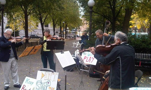 St. Paul Chamber Orchestra musicians stage rally
