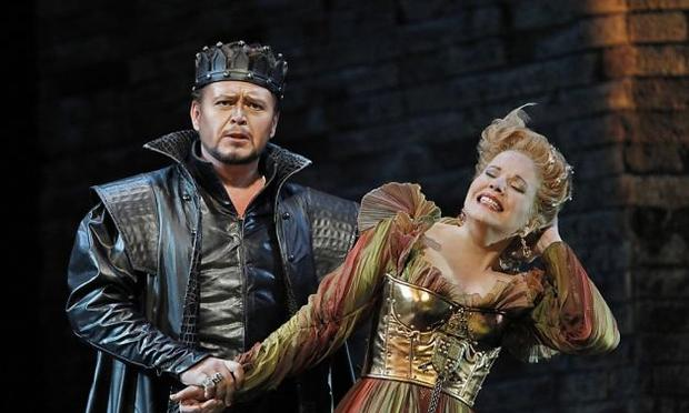 Vitalij Kowaljow as Don Alfonso and Renée Fleming as Lucrezia Borgia in 'Lucrezia Borgia'