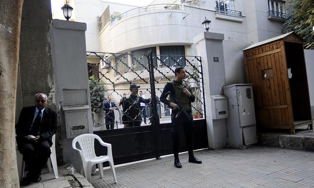 Egyptian police were searching the Cairo offices of American and Egyptian rights group following orders by the prosecution service which is investigating how the rights groups are financed.