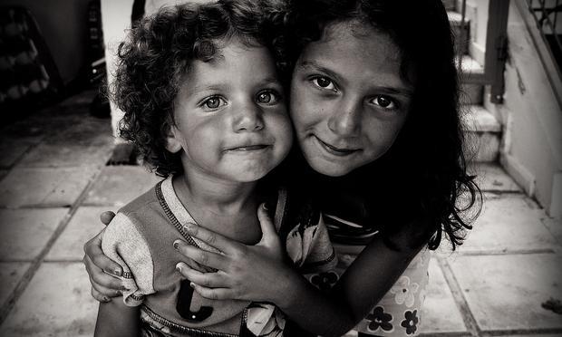 sisters, children