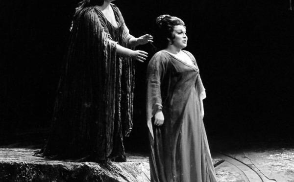 Joan Sutherland and Marilyn Horne in Norma