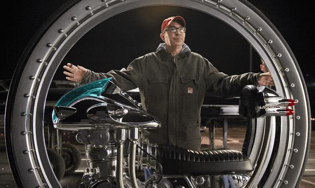 Director Barry Sonnenfeld on the set of 'Men In Black III'