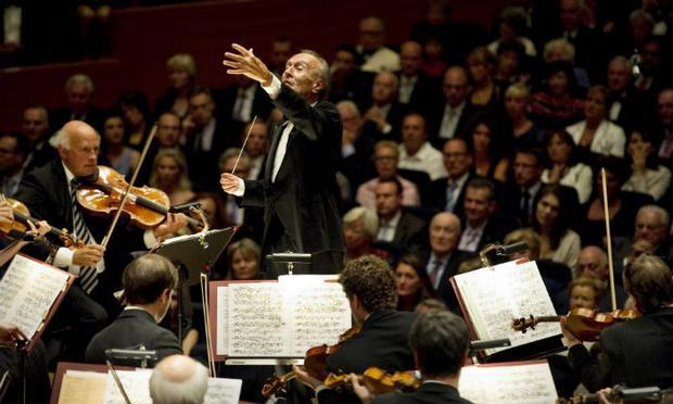 Claudio Abbado leads the Lucerne Festival Orchestra
