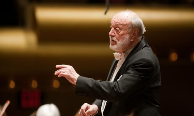 Kurt Masur leads the New York Philharmonic