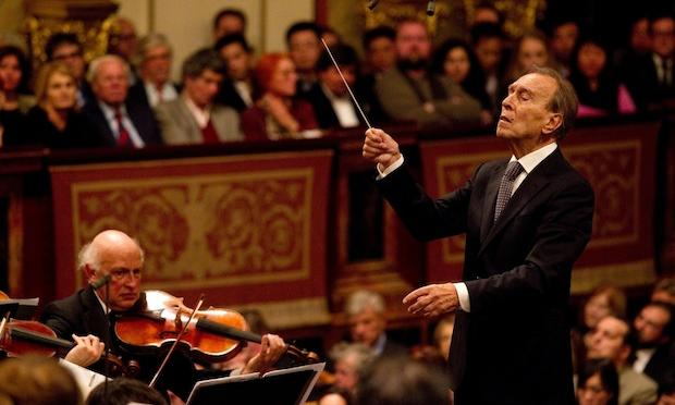 Claudio Abbado conducts the Vienna Philharmonic