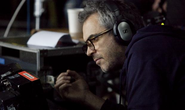 Alfonso Cuarón on the set of 'Gravity'