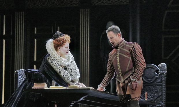 Sondra Radvanovsky and Mariusz Kwiecień star in the Met's 'Roberto Devereux.'