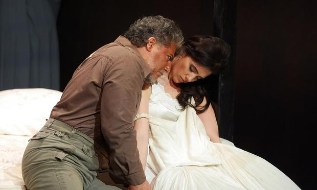Marc Heller and Ermonela Jaho star in 'Otello' at the Grand Liceu Theater.
