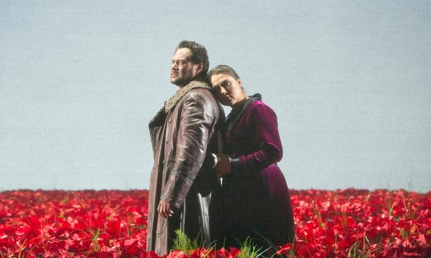 Ildar Abdrazakov as Prince Igor Svyatoslavich and Oksana Dyka as Yaroslavna in Borodin's