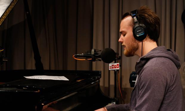 Asegir performs in the Soundcheck studio.