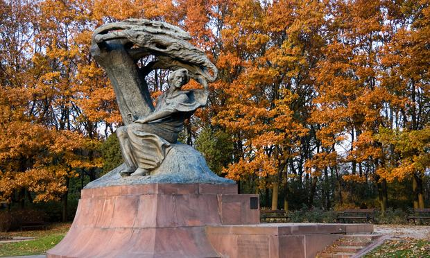The Chopin statue at Lazienki Park in Warsaw, Poland.