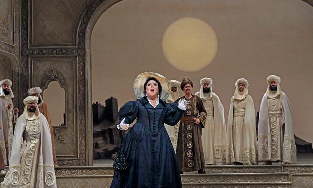 Marianna Pizzolatto as Isabella in L'Italiana in Algeri