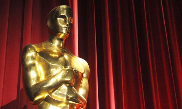 An Oscar Award statuette.