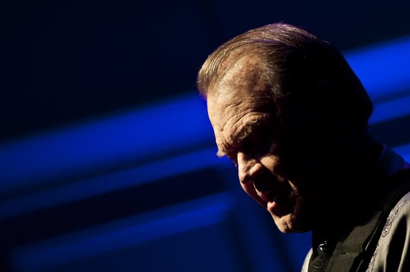 Glen Campbell performs during the Alzheimer's Association Evening with Glen Campbell at The Library of Congress on May 16, 2012 in Washington, DC.