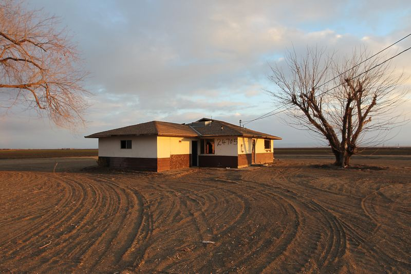 An abandoned farmhouse is seen on Feb. 6, 2014 in California. Now in its 3rd straight year of unprecedented drought, California is experiencing its driest year on record, dating back 119 years.