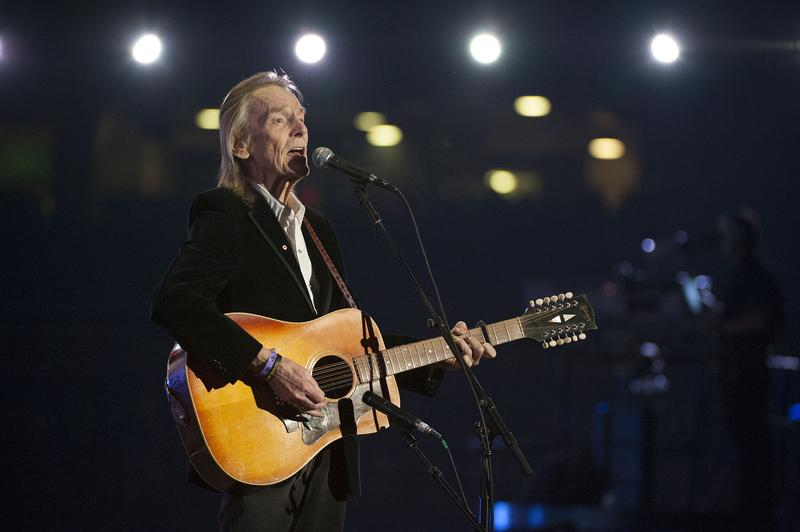 Singer Gordon Lightfoot performs in Toronto in 2012.