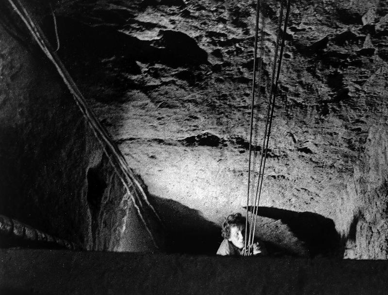 Mass escape of 57 people in October 1964 from East Berlin through a tunnel to the cellar of a former bakery in 'Bernauer Street', West Berlin, Oct. 1964.