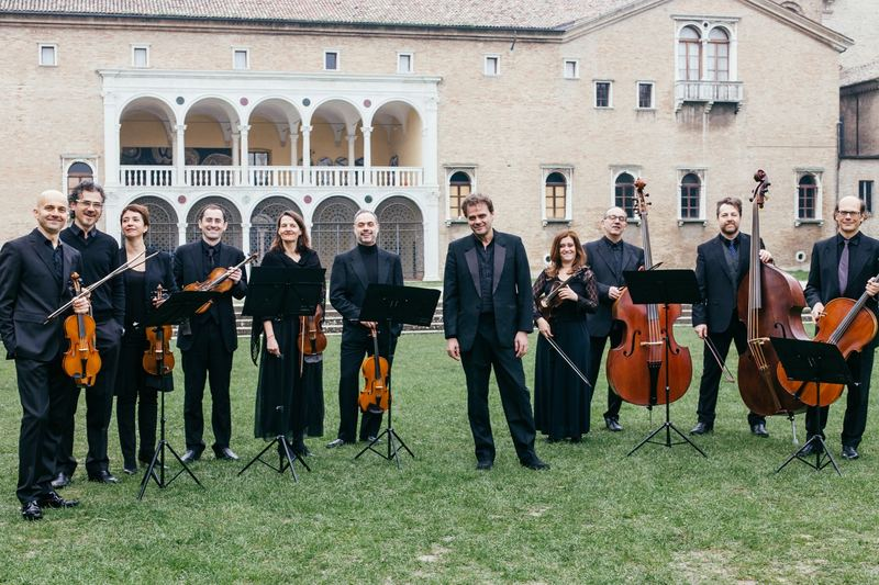 Accademia Bizantina was founded in 1983 with the intention of 'making music like a large quartet.'