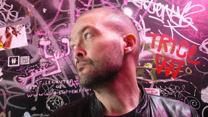 Ben Watt peforms songs from his latest album <em>Hendra</em> live in the <em>Soundcheck</em> studio with guitarist Bernard Butler.